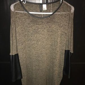 H&M Divided Knit Top